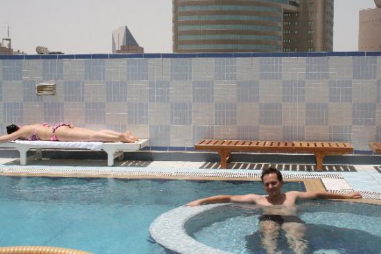 моя персона на крыше отеля. Вот такая вот крыша)