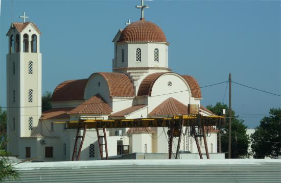 вид на греческий храм