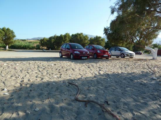 стоянка перед пляжем