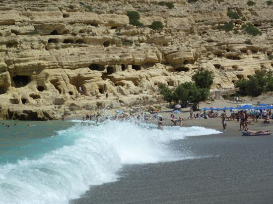 волны ливийского моря