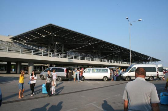 Аэропорт Солоники - Международный аэропорт «Македония»