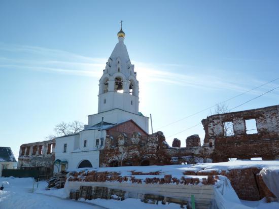 монастырь ремонтируется, еще не все постройки восстановлены