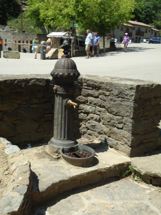 Здесь можно бесплатно попить воды