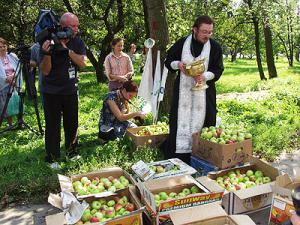 Гаишники Ростова отмечают Яблочный Спас