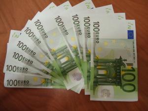 Депутаты одобрили плату за  роскошные автомобили