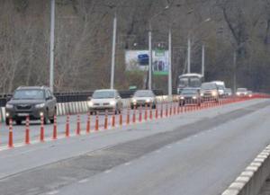 Двойную сплошную  в России украсят пластиковыми столбиками