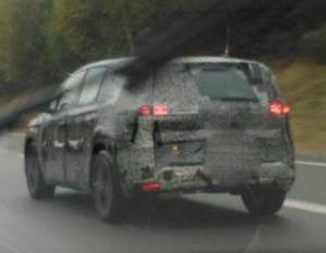 Фотошпионы сняли во время тестов новый Renault Espace
