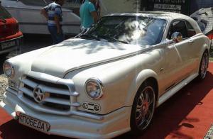 Модель Mercedes  несколько лет переделывали в советскую