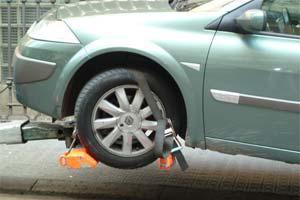 Эвакуация автомобилей от буксировки тросом до крана-манипулятора