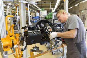 Рабочим Porsche выплатят премию в размере 8 911 евро