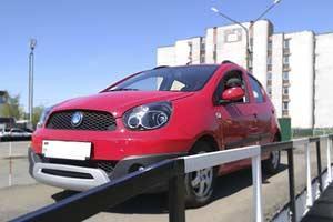Разбежка в ценах в автошколах Минска