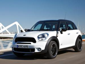 The fourmidable MINI Countryman - four doors and 4WD.